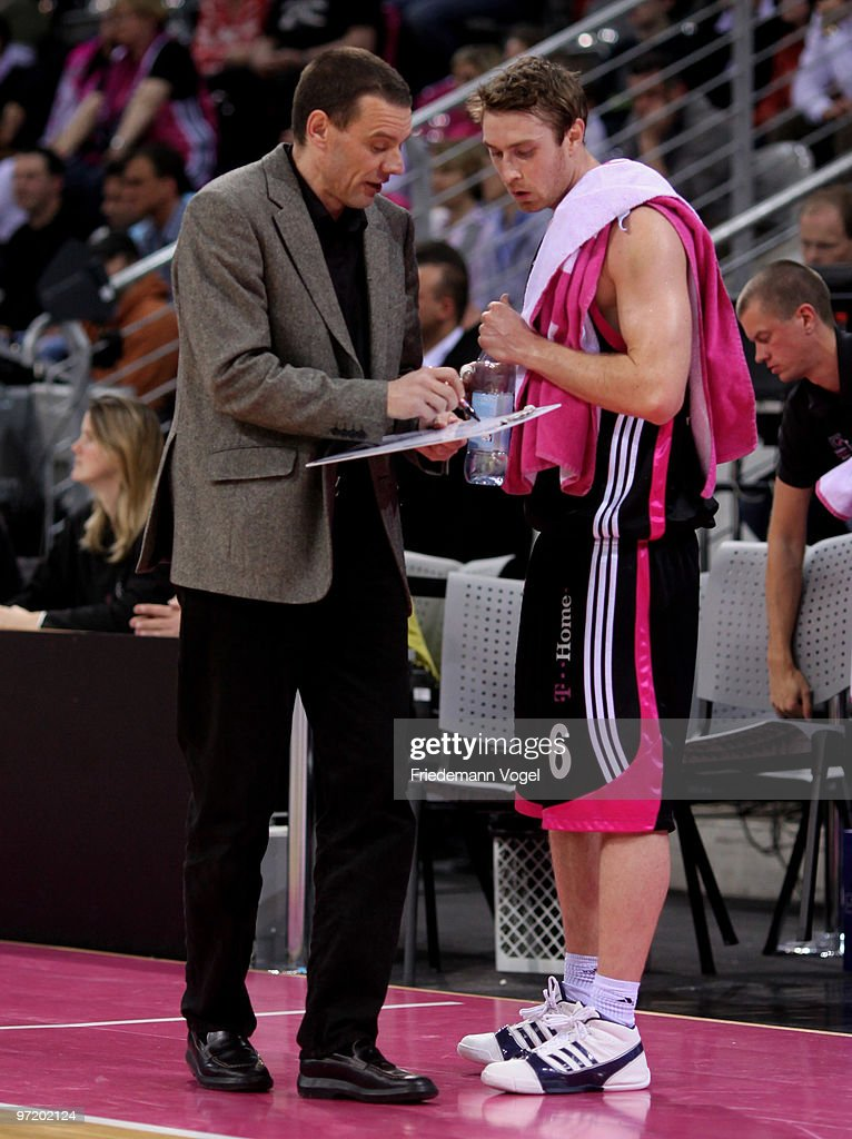 Coach Michael Koch gives advice to Johannes Strasser of Basket during the Beko Basketball Bundesliga game between Telekom Baskets and Giants...