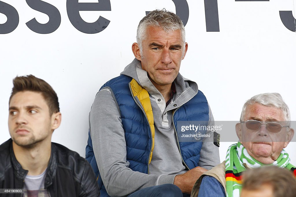 Coach <a gi-track='captionPersonalityLinkClicked' href=/galleries/search?phrase=Mirko+Slomka&family=editorial&specificpeople=874525 ng-click='$event.stopPropagation()'>Mirko Slomka</a> of Hamburg during the third league match between VfL Wolfsburg II and Hamburger SV II at VfL Stadion am Elsterweg on August 24, 2014 in Wolfsburg, Germany.