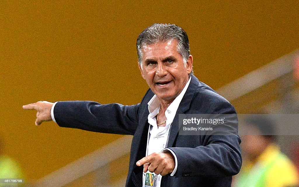 Coach of Iran <a gi-track='captionPersonalityLinkClicked' href=/galleries/search?phrase=Carlos+Queiroz&family=editorial&specificpeople=211586 ng-click='$event.stopPropagation()'>Carlos Queiroz</a> gives directions to his players during the 2015 Asian Cup match between IR Iran and the UAE at Suncorp Stadium on January 19, 2015 in Brisbane, Australia.