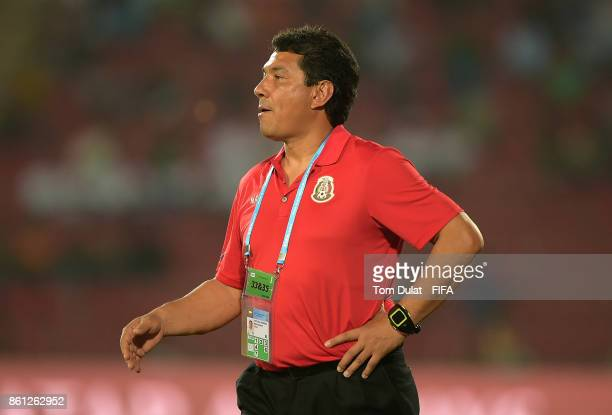 Coach of Mexico Mario Arteaga gives instructions during the FIFA U17 World Cup India 2017 group E match between Mexico and Chile at Indira Gandhi...