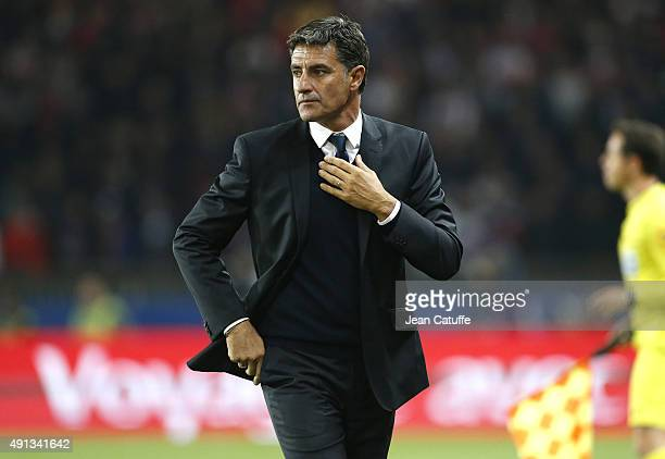 Coach of OM Jose Miguel Gonzalez Martin del Campo aka Michel looks on during the French Ligue 1 match between Paris SaintGermain FC and Olympique de...