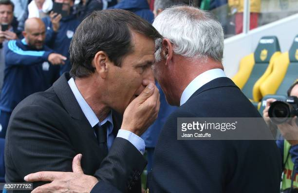 Coach of OM Rudi Garcia chats with coach of Nantes Claudio Ranieri before the French Ligue 1 match between FC Nantes and Olympique de Marseille at...