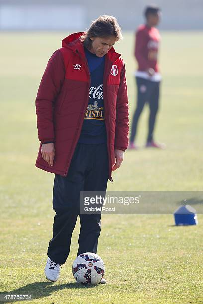Coach of Peru Ricardo Gareca during a training session at Universidad de Chile Training Camp on June 27 2015 in Santiago Chile Peru will face Chile...