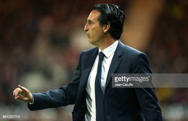 Coach of PSG Unai Emery during the French Ligue 1 match between En Avant Guingamp and Paris Saint Germain at Stade de Roudourou on August 13 2017 in...