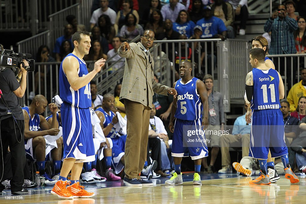 Coach of the East team <a gi-track='captionPersonalityLinkClicked' href=/galleries/search?phrase=Dwight+Howard&family=editorial&specificpeople=201570 ng-click='$event.stopPropagation()'>Dwight Howard</a> of the Orlando Magic coaches Comedian Kevin Hart of the East team during the Sprint All-Star Celebrity Game on center court at Jam Session during the NBA All-Star Weekend on February 24, 2012 at the Orange County Convention Center in Orlando, Florida.