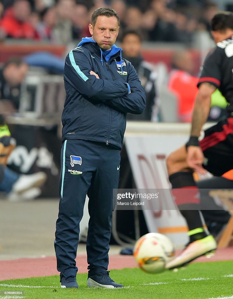 coach <a gi-track='captionPersonalityLinkClicked' href=/galleries/search?phrase=Pal+Dardai&family=editorial&specificpeople=604310 ng-click='$event.stopPropagation()'>Pal Dardai</a> of Hertha BSC during the game between Bayer 04 Leverkusen and Hertha BSC on april 30, 2016 in Leverkusen, Germany.