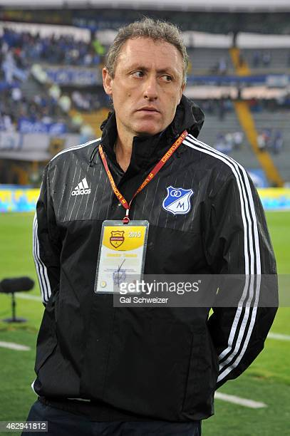 Coach Ricardo Lunari of Millonarios gestures during a match between Millonarios and Patriotas FC as part of second round of Liga Aguila 2015 at...