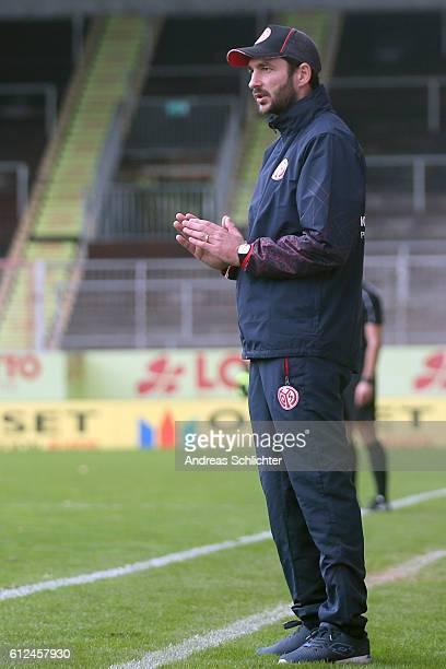 Coach Sandro Schwarz of FSV Mainz 05 II during the Third League match between 1FSV Mainz 05 II and RW Erfurt at Bruchweg Stadium on October 2 2016 in...