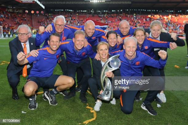 coach Sarina Wiegman of Holland Women Foppe de Haan of Holland Women during the UEFA WEURO 2017 final match between The Netherlands and Denmark at...