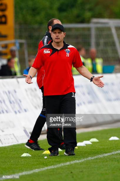 Coach Steffen Baumgart of Paderborn during the 3 Liga match between Sportfreunde Lotte and SC Paderborn 07 at Frimo Stadion on August 1 2017 in Lotte...