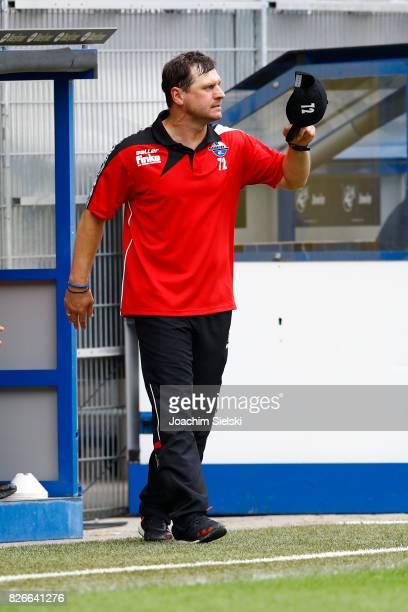 Coach Steffen Baumgart of Paderborn during the 3 Liga match between SC Paderborn 07 and SG Sonnenhof Grossaspach at Benteler Arena on August 5 2017...