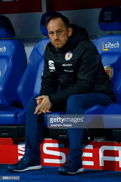 Coach Torsten Lieberknecht of Braunschweig before the Second Bundesliga match between Eintracht Braunschweig and Holstein Kiel at Eintracht Stadion...