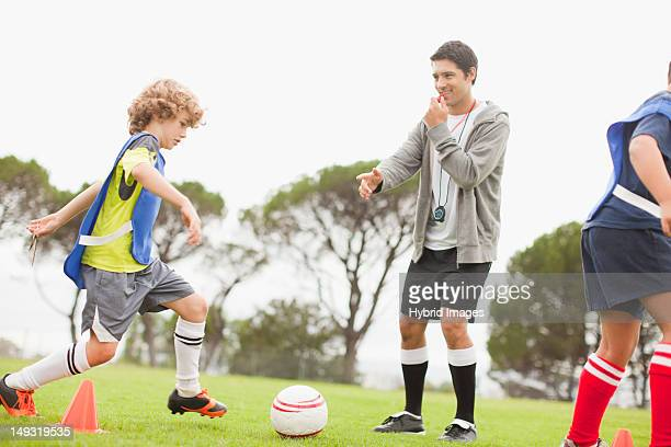 子供サッカーコーチトレーニングの
