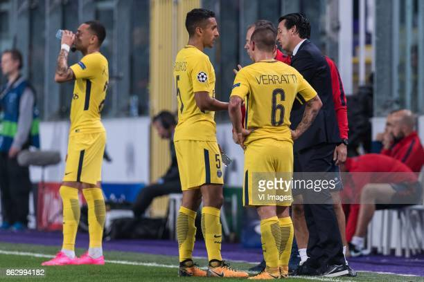 coach Unai Emery of Paris SaintGermain give instructions to Marcos Aoas Correa of Paris SaintGermain and Marco Verratti of Paris SaintGermain during...