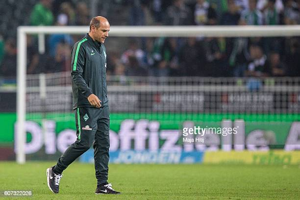 Coach Viktor Skripnik of Bremen leaves the pitch after the Bundesliga match between Borussia Moenchengladbach and Werder Bremen at BorussiaPark on...