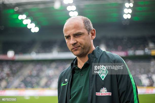 Coach Viktor Skripnik of Bremen prior the Bundesliga match between Borussia Moenchengladbach and Werder Bremen at BorussiaPark on September 17 2016...