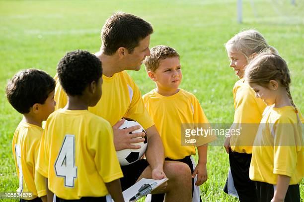Bus mit diversen junge team soccer player