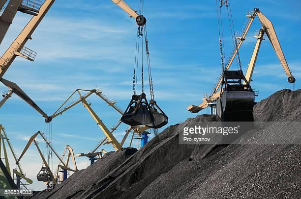 Coal, Portal cranes, clamshell