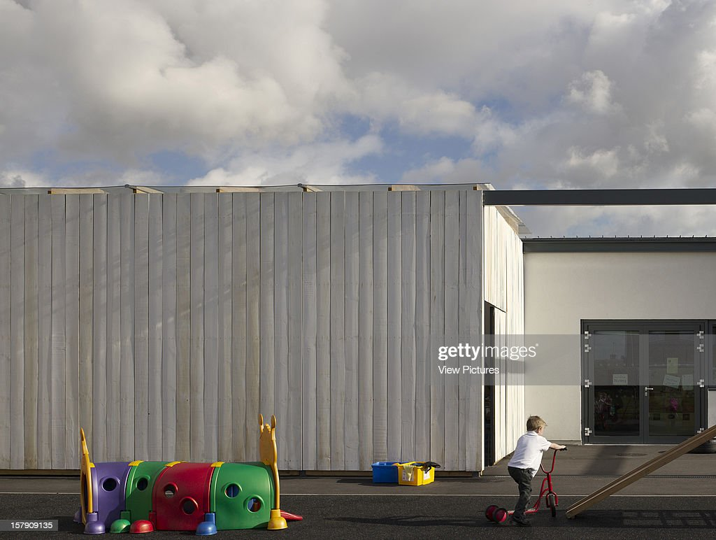 Cobblers Lane School, Pontefract, United Kingdom, Architect Walters And Cohen, 2007, Cobblers Lane School Toy Store And Playground.