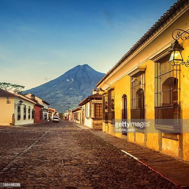 Calle de adoquines en Antigua Guatemal