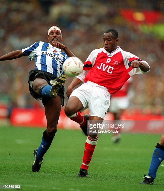 CocaCola Cup 1993 Arsenal v Sheffield Wednesday Ian Wright loses out to Viv Anderson