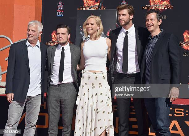 CoChairman of Lionsgate Motion Picture Group Rob Friedman actors Josh Hutcherson Jennifer Lawrence and Liam Hemsworth and copresident of Lionsgate...