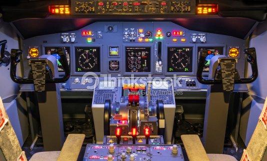 cockpit dune maison et simulateur de vol de boeing 737800. Black Bedroom Furniture Sets. Home Design Ideas