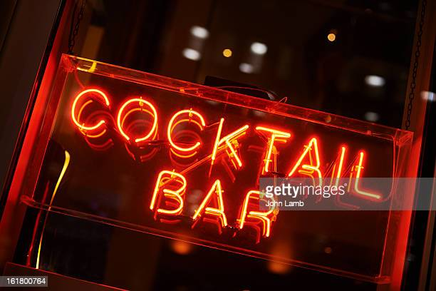 Cocktail bar neon