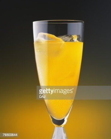 Cocktail, Screw Driver, Front View : Stock Photo