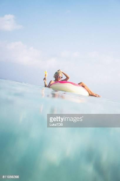 Cocktail-Zeit im Ozean, Malediven