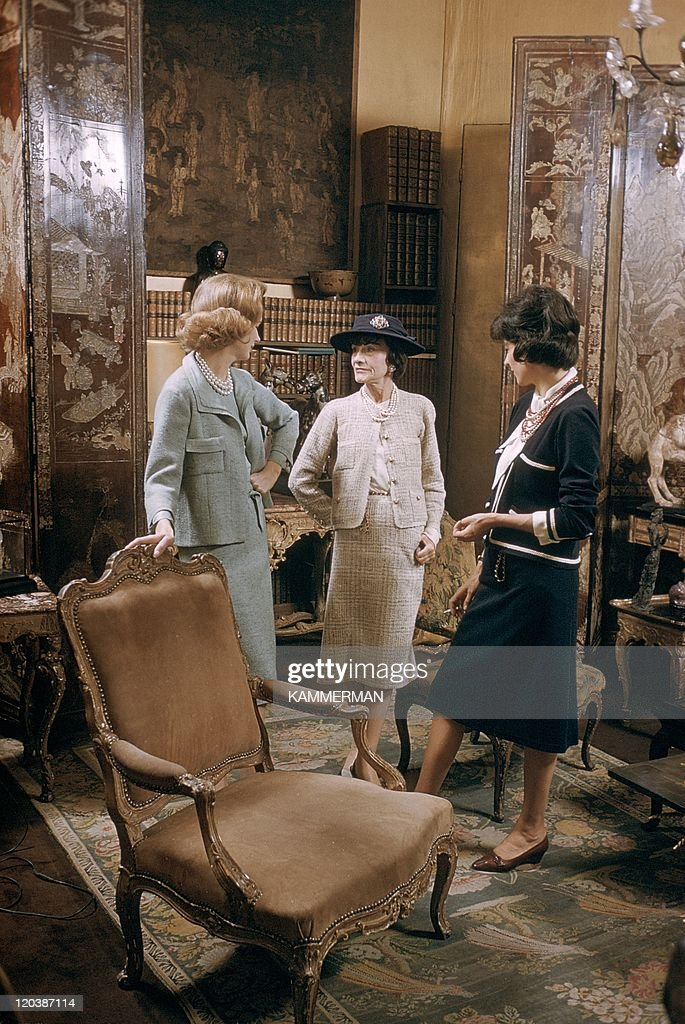 <a gi-track='captionPersonalityLinkClicked' href=/galleries/search?phrase=Coco+Chanel&family=editorial&specificpeople=216245 ng-click='$event.stopPropagation()'>Coco Chanel</a> in Paris, France in 1959 - Miss <a gi-track='captionPersonalityLinkClicked' href=/galleries/search?phrase=Coco+Chanel&family=editorial&specificpeople=216245 ng-click='$event.stopPropagation()'>Coco Chanel</a> (in the middle). <a gi-track='captionPersonalityLinkClicked' href=/galleries/search?phrase=Coco+Chanel&family=editorial&specificpeople=216245 ng-click='$event.stopPropagation()'>Coco Chanel</a>'s appartment, Cambon street.