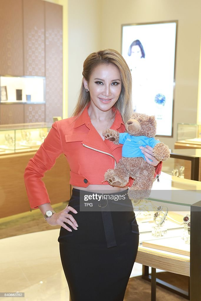 <a gi-track='captionPersonalityLinkClicked' href=/galleries/search?phrase=CoCo+Lee&family=editorial&specificpeople=2081343 ng-click='$event.stopPropagation()'>CoCo Lee</a> attends the opening ceremony of OMEGA on 16th June, 2016 in Taipei, Taiwan, China.