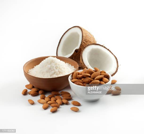 Coconut and almonds composition
