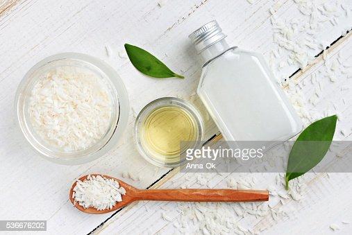 Cocco impostato di cosmetici, prodotti per la cura della pelle : Foto stock