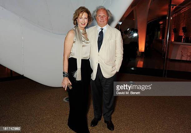 Codirector of the Serpentine Gallery Julia PeytonJones and editor of Vanity Fair Graydon Carter attend a donors dinner hosted by Michael Bloomberg...