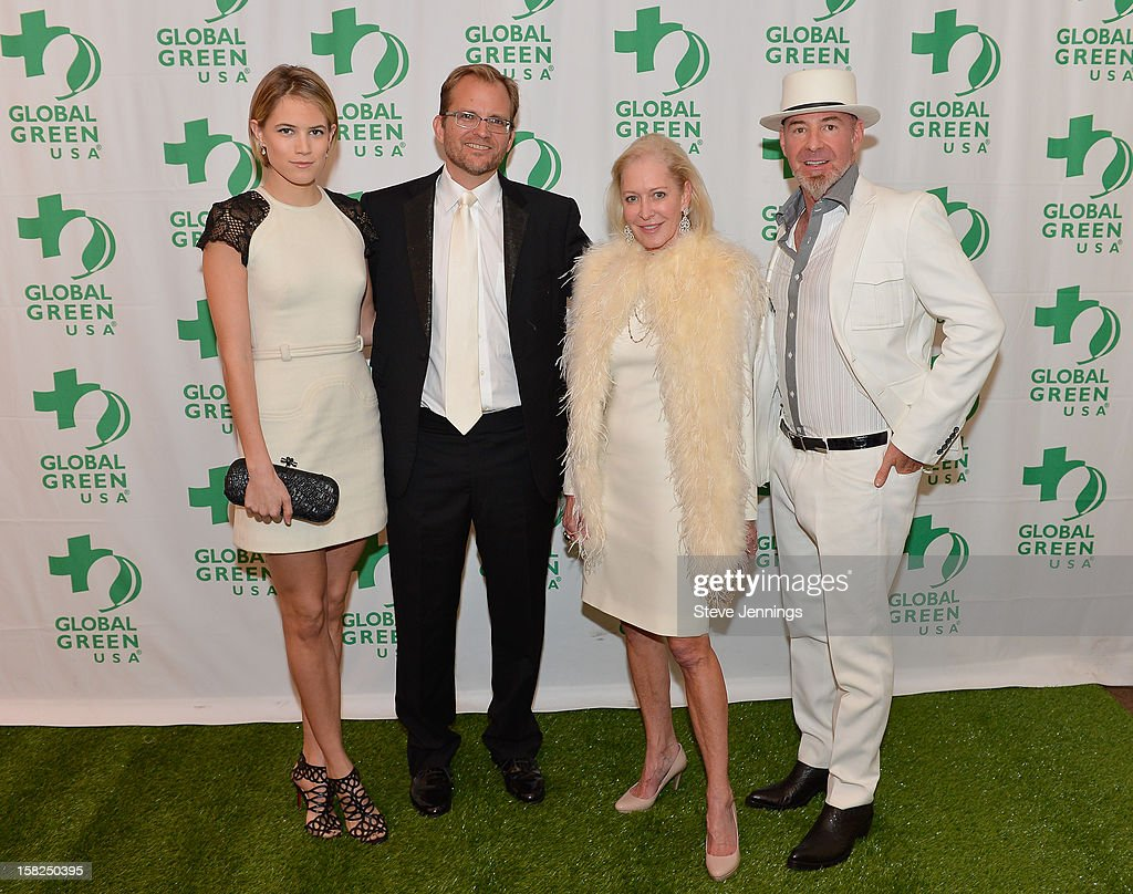 <a gi-track='captionPersonalityLinkClicked' href=/galleries/search?phrase=Cody+Horn&family=editorial&specificpeople=607279 ng-click='$event.stopPropagation()'>Cody Horn</a>, Matt Peterson, Wendy Schmidt and Chris Bently (L-R) attend the Gorgeous & Green Gala at The Bently Reserve on December 11, 2012 in San Francisco, California.
