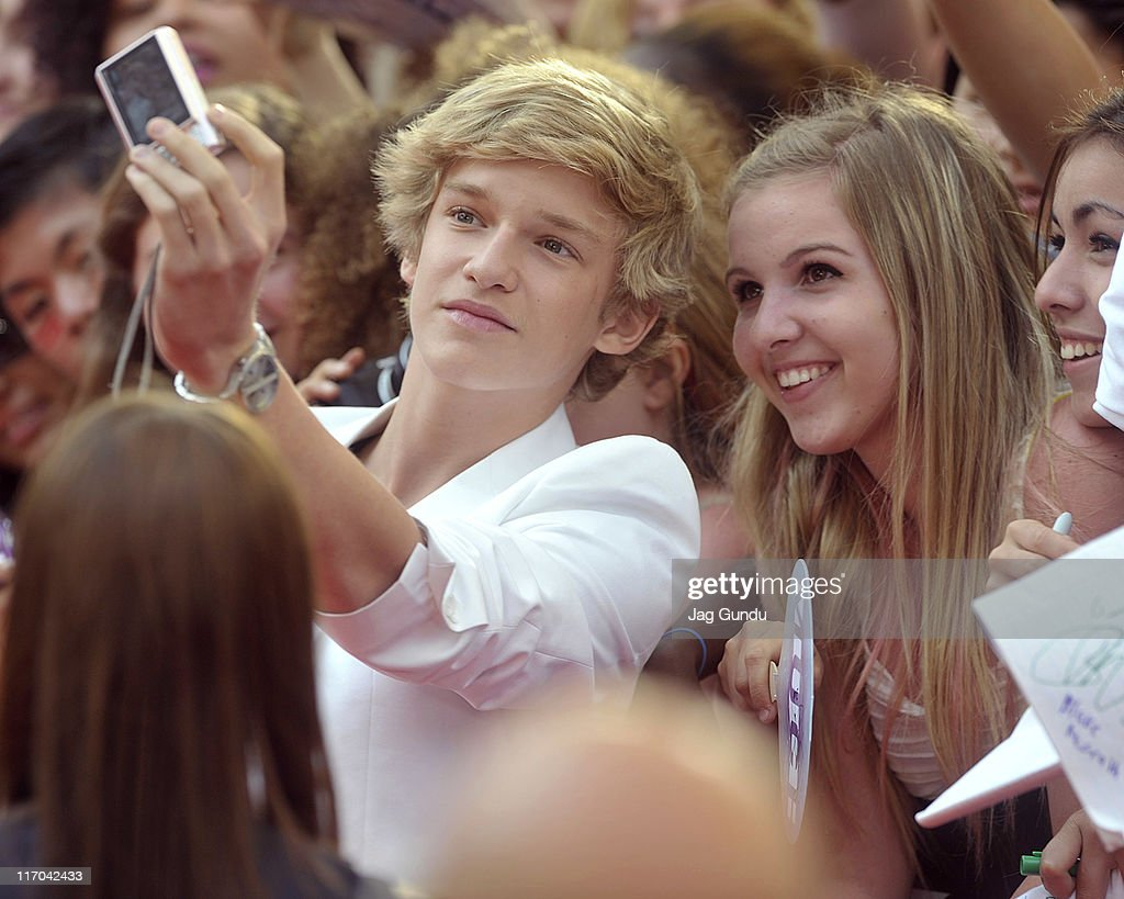 singer cody simpson arrives on the red carpet for the