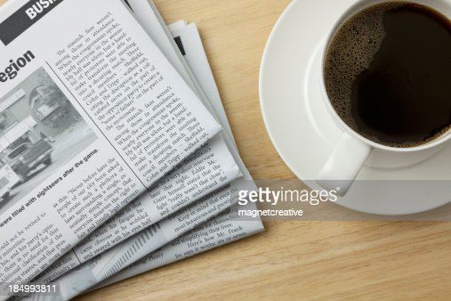 Café et journal le matin