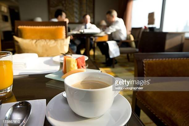 Pause-café pour les voyageurs d'affaires