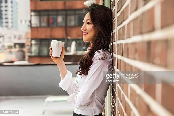 Pause-café au bureau sur le toit de l'hôtel de Séoul