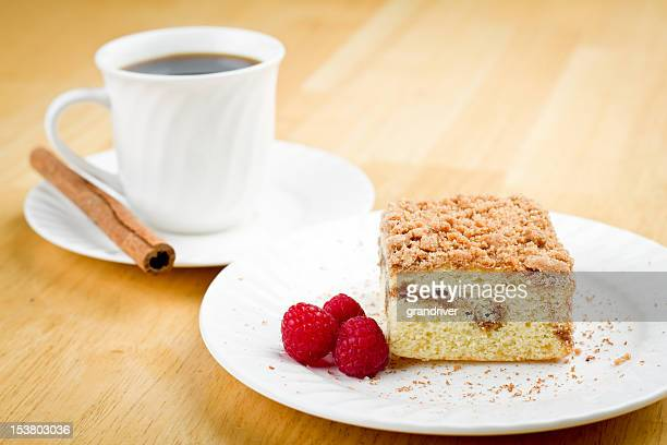 Coffee Cake with Cinnamon and Raspberries