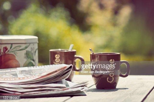 Coffee in garden : Bildbanksbilder