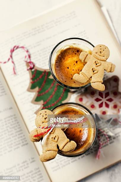 Coffee with gingerbread cookies