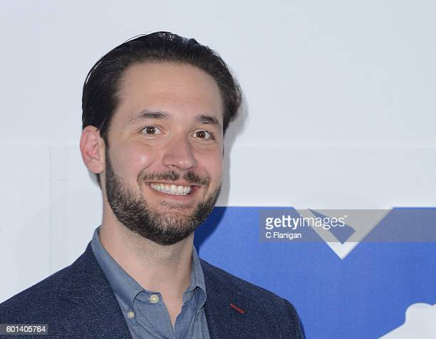Cofounder of Reddit Alexis Ohanian attends the 2016 MTV Video Music Awards at Madison Square Garden on August 28 2016 in New York City