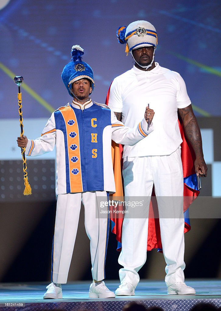 Co-host Nick Cannon and host Shaquille O'Neal speak onstage at the Third Annual Hall of Game Awards hosted by Cartoon Network at Barker Hangar on February 9, 2013 in Santa Monica, California. 23270_003_JK_0154.JPG