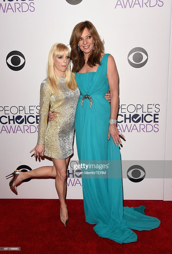 Co-hosts Anna Faris (L) and Allison Janney poses in the press room at The 41st Annual People's Choice Awards at Nokia Theatre LA Live on January 7, 2015 in Los Angeles, California.