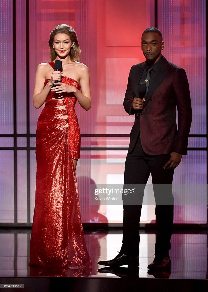 cohosts-gigi-hadid-and-jay-pharoah-speak-onstage-during-the-2016-picture-id624730512