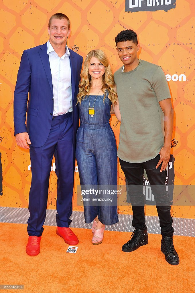 Co-hosts Stevie Nelson (C), Rob Gronkowski (L) and Brandon Broady arrive at the Nickelodeon Kids' Choice Sports Awards 2016 at UCLA's Pauley Pavilion on July 14, 2016 in Westwood, California.