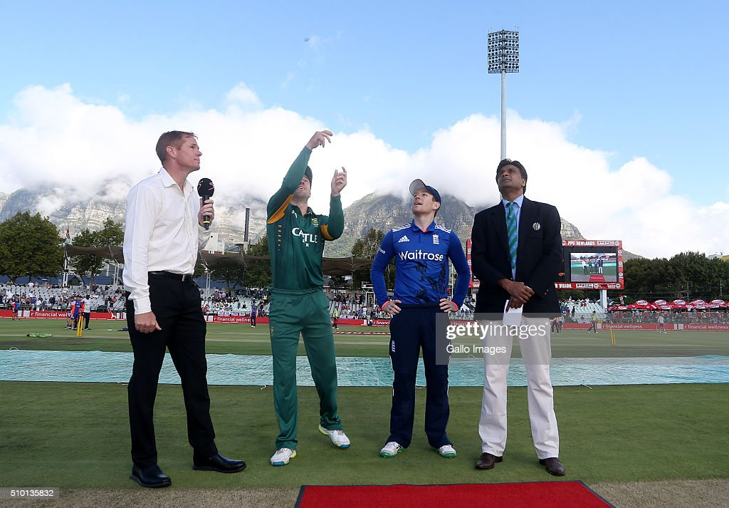 Coin toss during the 5th Momentum ODI Series match between South Africa and England at PPC Newlands on February 14, 2016 in Cape Town, South Africa.