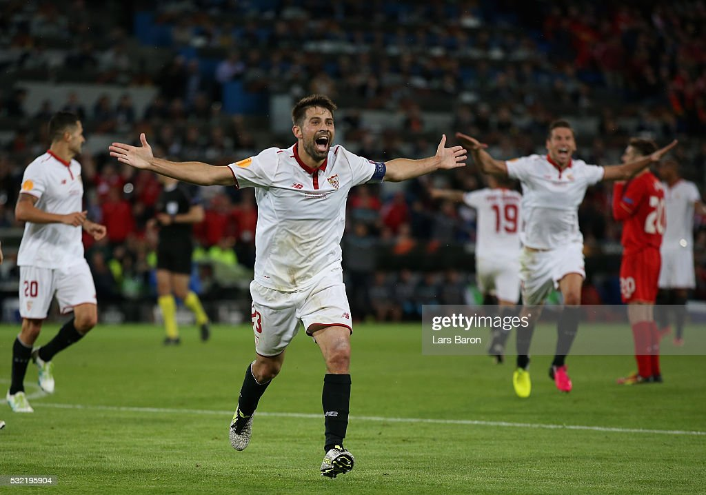 Coke of Sevilla celebrates scoring his team's third goal during the UEFA Europa League Final match between Liverpool and Sevilla at St JakobPark on...